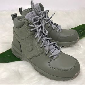 Boys' Nike Manoa Boots Gray